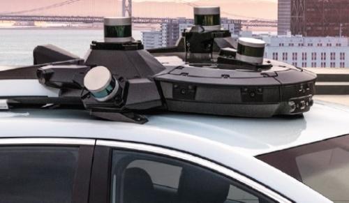 実験車の屋根に5個のLIDARを搭載