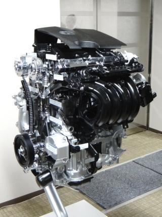 新型2.0Lエンジン