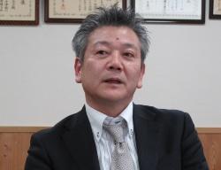 経理財務部の鈴木正志部長