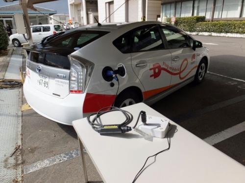 実証実験に使った車両はトヨタ自動車「プリウスPHV」(出所:中部電力)