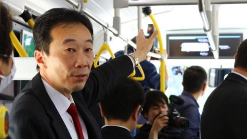 新型FCVバスの技術を解説するトヨタCV製品企画ZM主査の権藤憲治氏