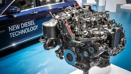 ダイムラーのディーゼルエンジン。写真は排気量2.0Lの「OM654 D20」。(出所:ダイムラー)
