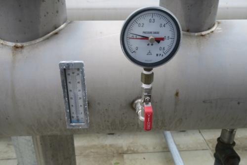 冷却塔から出てきた水は30℃ほどだった