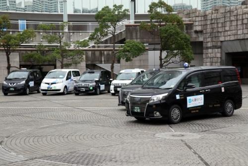 AI運行バスに使うタクシー車両