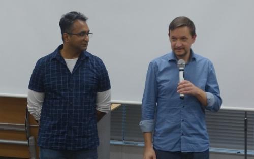 Magic Leap One用アプリの開発環境「Lumin Runtime」を担当する、Magic LeapのPraveen Babu J D氏(写真左)とLeonid Zolotarev氏(写真右)