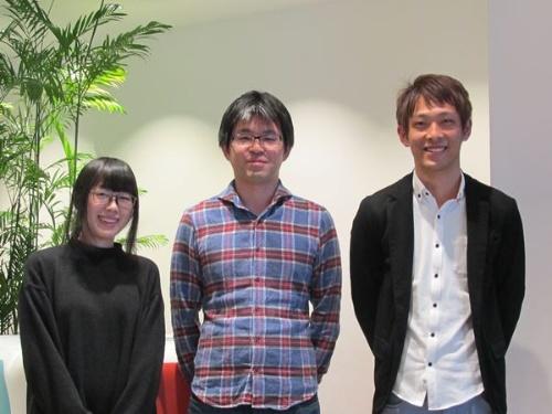 左からゲーム・エンターテインメント事業本部の神武里奈氏、コマース&インキュベーション事業本部の春山誠氏、システム本部SWETグループの井口恒志氏