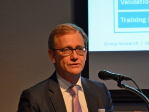 図1 Thomas Form氏(Volkswagen, Head of Group Research Vehicle Technology and Mobility Experience)