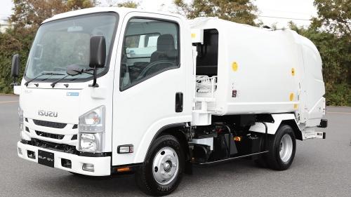 図1 いすゞ自動車が開発した電池を「交換式」にした小型の電気自動車(EV)トラック、斜め前から