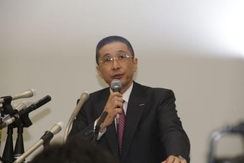 ゴーン会長の逮捕を受けて記者会見する日産社長兼CEOの西川廣人氏(写真:安川千秋)