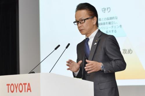 図1 コネクテッド戦略の現状を説明したトヨタ副社長の友山茂樹氏。