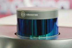 図2(b) RoboSenseのLIDAR。(撮影:編集部)