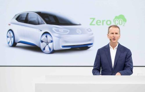 Volkswagen AGのCEO、Herbert Diess博士