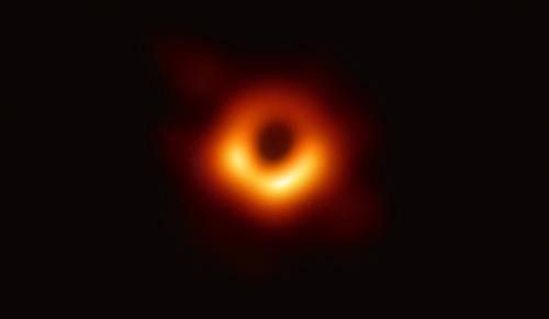 発表されたブラックホールの画像