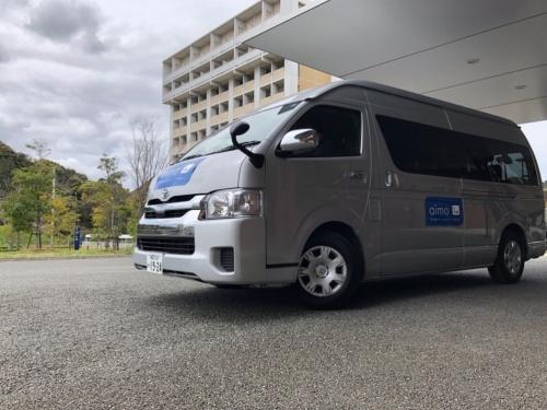 NTTドコモが商用化したAI運行バス。第1弾として九州大学の伊都キャンパスで運行している