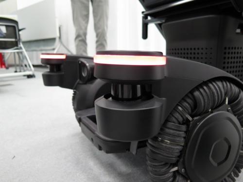 本体前部に取り付けてある赤外線センサー