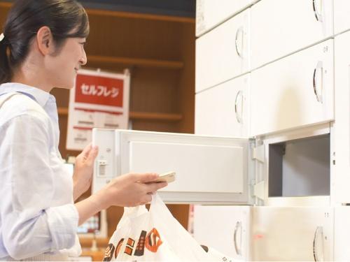 スシローが導入した冷蔵ボックス「自動土産ロッカー」
