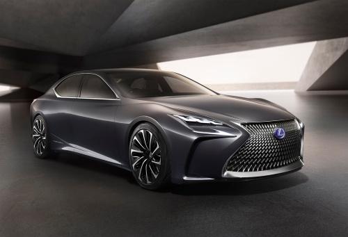 高級車のFCV「LEXUS LF-FC」