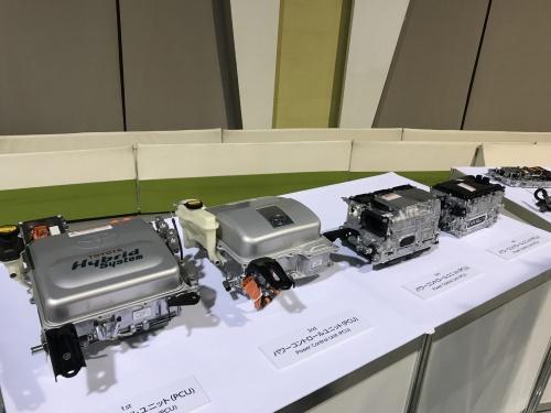 トヨタのハイブリッドシステムのパワーコントロールユニット(PCU)