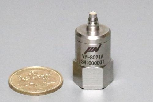 図1 MEMS式振動センサーの開発品「VP-8021A」