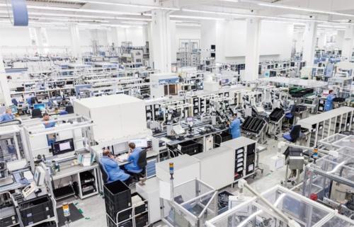 図1 アンベルク電子製品工場(EWA)の内部