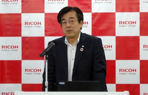 リコー HC事業本部 事業本部長の源間信弘氏(写真:日経 xTECH)