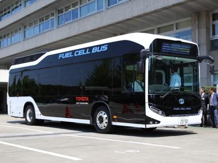 図1 トヨタ自動車は燃料電池(FC)バス「SORA」を部分改良した