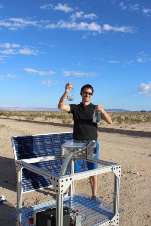 モハベ砂漠での実験の様子と、システムの全景