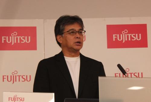 新しい経営方針を説明する富士通の時田隆仁社長