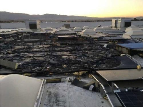図1●ウォルマートのカリフォルニア州にある1店舗に設置された太陽光発電から火災