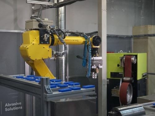 図1 「3M ロボット研磨ラボ」の様子