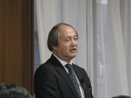 講演するセミコンサルタント 代表の上田弘孝氏