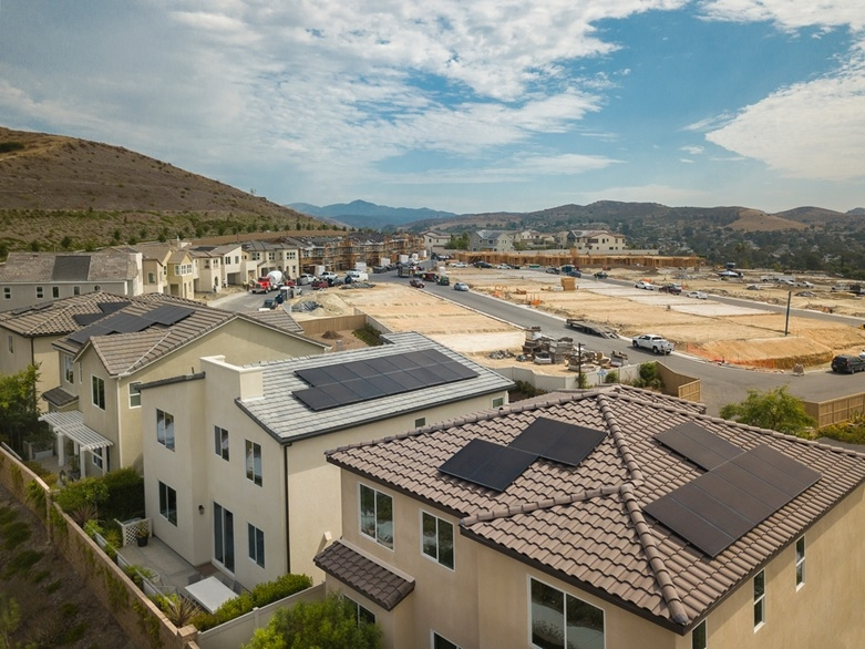 図1●米国の新築住宅向け太陽光発電市場でシェアトップのサンパワー (出所:SunPower)