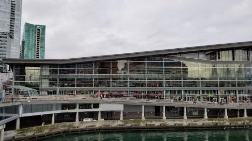 NeurIPS 2019の会場となったバンクーバーコンベンションセンター(カナダ・ブリティッシュコロンビア州)