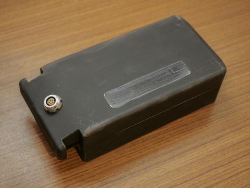 パワードスーツで使用する電池の1つ