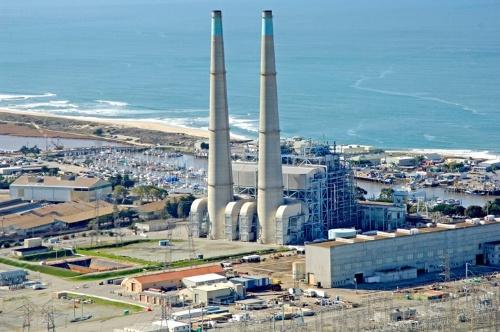 図2●米国最大規模となるエネルギー貯蔵設備を導入予定のモス・ランディング火力発電所