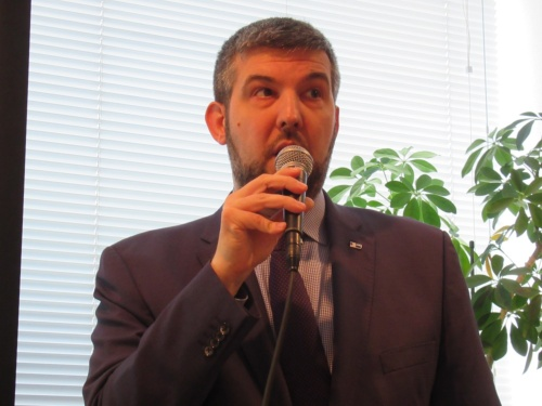 在日ドイツ商工会議所副専務理事のルーカス ヴィトスアスキー氏