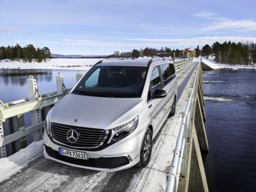 図1 Daimlerの高級ミニバンEV「EQV」