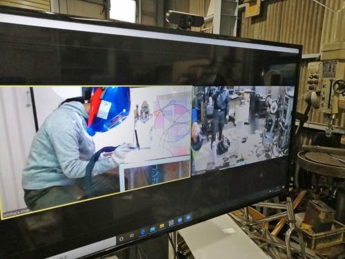 工場からリモートで作業を見守る仕組み