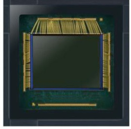 Samsung Electronicsの1億800万画素の撮像素子「ISOCELL Bright HM1(S5KHM1)」。サイズは1/1.33インチ型。(写真:同社)