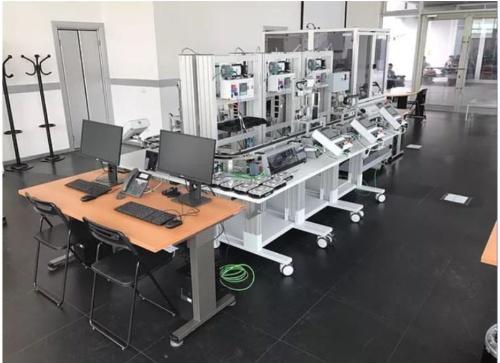 実装実験で利用した製造システム