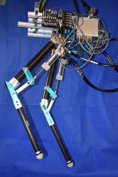 図7 Mg合金を使った軽量な油圧シリンダー