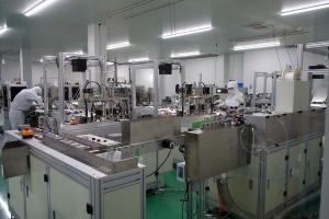アイリスオーヤマ角田工場のマスク生産ライン