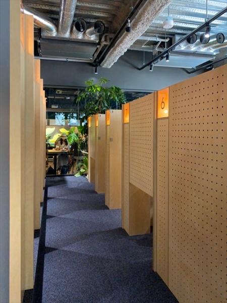 Think Labが運営する「Think Lab」の内観。個人が集中するためのワークスペースとなる