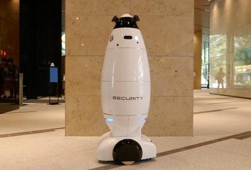 図3 警備ロボット「SQ-2」が棟内を自律移動する