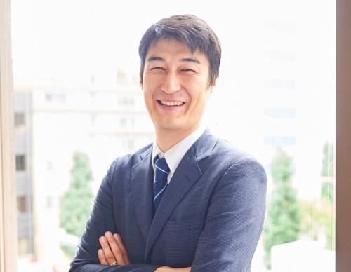CureAppの佐竹晃太CEO(最高経営責任者)兼医師
