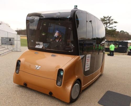 トヨタ紡織、ティアフォーなどが開発した自律運転車両「MOOX」