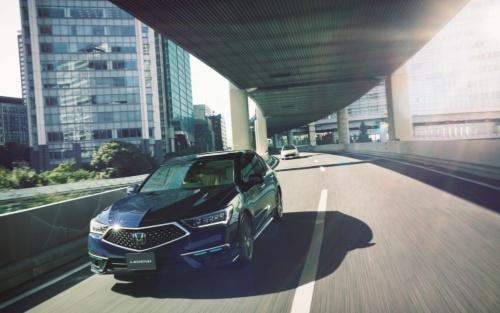 図1 市販車初のレベル3の自動運転機能を搭載したホンダの新型セダン「LEGEND Hybrid EX・Honda SENSING Elite」
