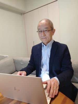TISの井口克郎氏は同社の再雇用制度を利用して、66歳になった今もシステムエンジニアとして働き続けている。