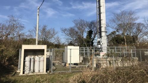 LPガス発電機が設置された携帯電話基地局