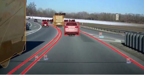 カメラ映像から車両や車線を認識するAIソフトを手掛ける